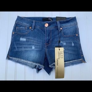 1822 Denim NEW Blue 26 Frayed Hem Jean Shorts